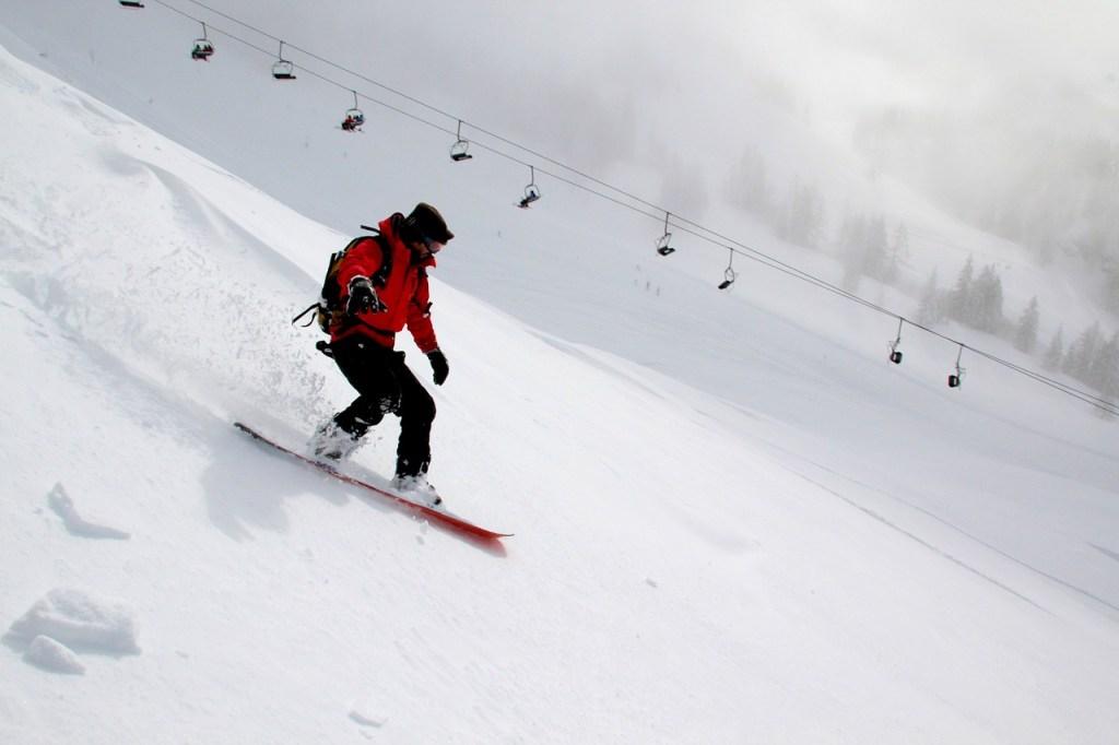 snowboarding-554048_1280