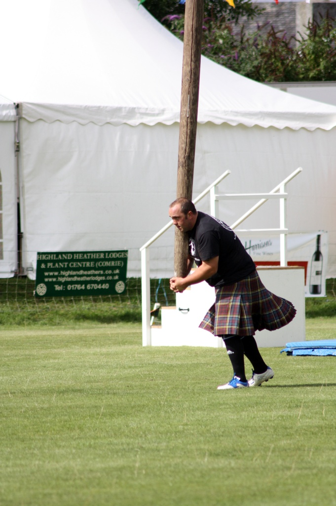 course caber - Highland Games - Ecosse