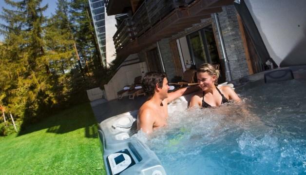 cervo-mountain-resort-zermatt-jacuzzi