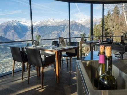 Restaurant mit Ausblick auf die Bergwelt