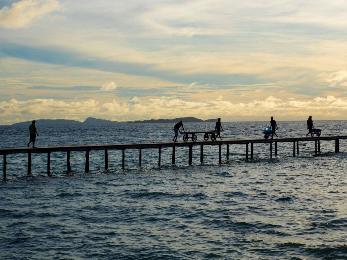 Arbeit auf Pulau Pef