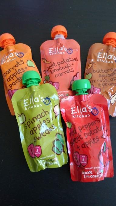 イギリスのスーパーやドラックストアならどこでも売っているベビーミール「Ella's kitchen」 シリーズ。添加物一切なしが嬉しい。