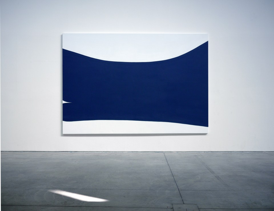 curved-horizontal-space, 2012, acrylic and paste on canvas, 200x290cm