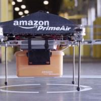 Jeremy Clarkson zeigt die neue Amazon Prime Air Lieferdrohne