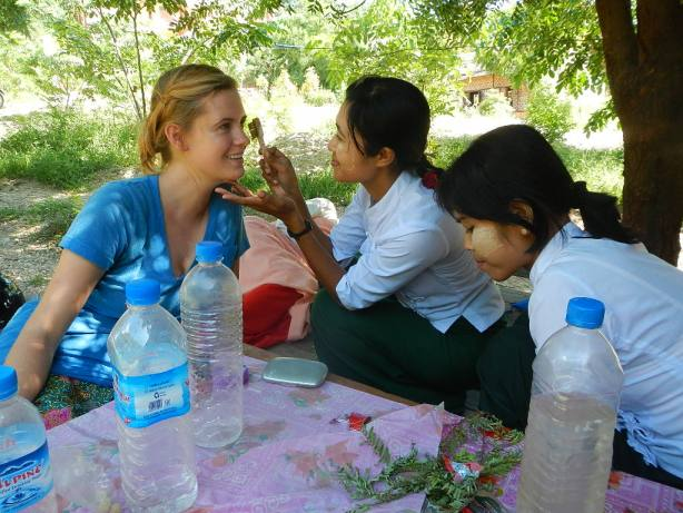 volunteering with kids in Burma