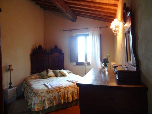 room at villa in tuscany