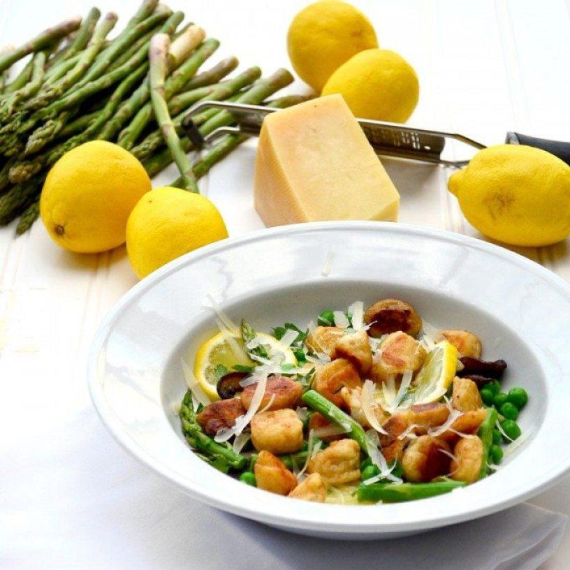 Ricotta Gnocchi with Mushrooms, Asparagus, Peas and Lemon • Go Go Go ...