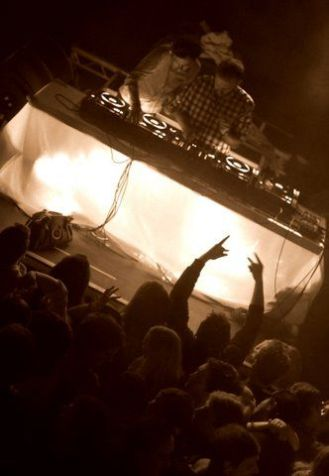 Review: 2 Many DJs at The Academy