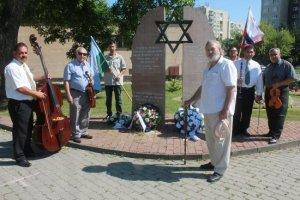 A roma holokausztra, a porraimosra emlékeznek Rimaszombatban
