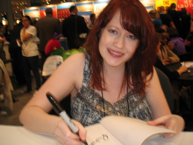 Richelle Mead, Photograph, Author, Bloodlines, Vampire Academy