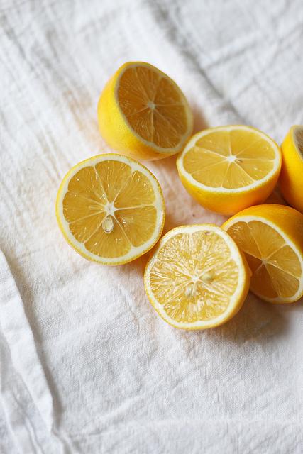 citroenwater met cayennepeper
