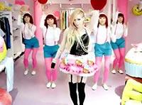 アヴリルの新曲「Hello Kitty」のMV