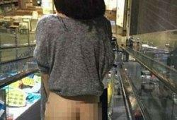 【モザ無し】IKEAで下半身丸出しで買い物している女性が!SNSで拡散し騒動に