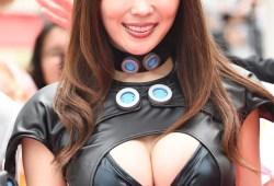 日本一エロいグラドル森咲智美がGANTSコスで街中に降臨!「これはアカン」もはやワイセツ物陳列罪w