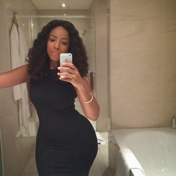 Joselyn Dumas Puts Her Dangerous Curves On Display As She Celebrates Christmas