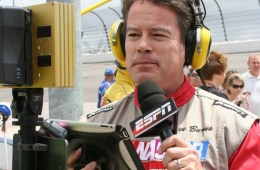 ESPN Reporter Uses iPad To Report From NASCAR Pit Row