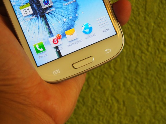 The Samsung Galaxy S4 is going to replace the Galaxy S3.