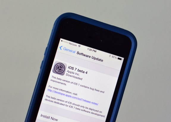 The iOS 7 beta 4 release is here.