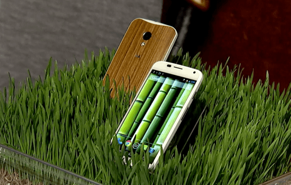 Motorola will soon offer a wood Moto X customization option.