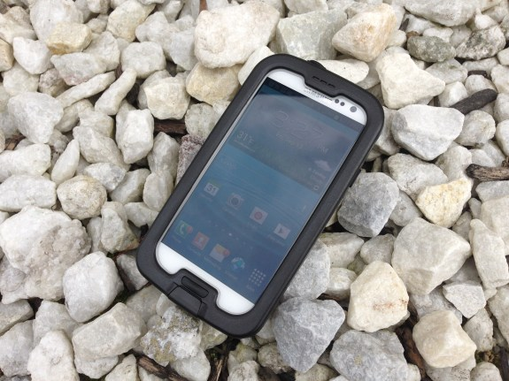The LifeProof nuud Galaxy S3 case protects against water, dust, snow and drops.