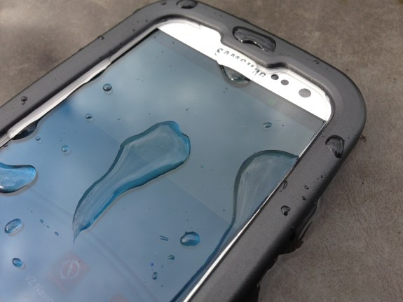The screen is an essential part of this waterproof Galaxy S3 case.