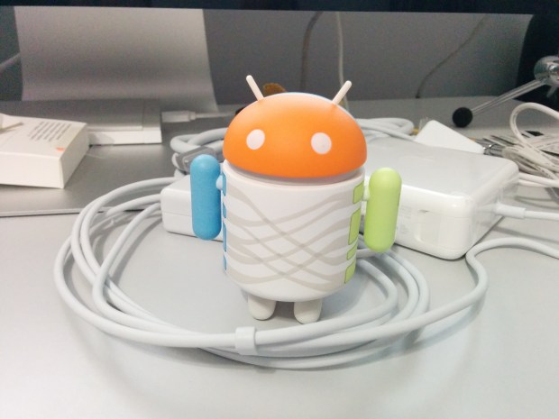 Nexus 5 Android 4.4.2 photos - 2