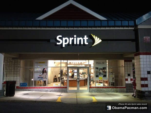 Sprint-Store-iPhone-4S