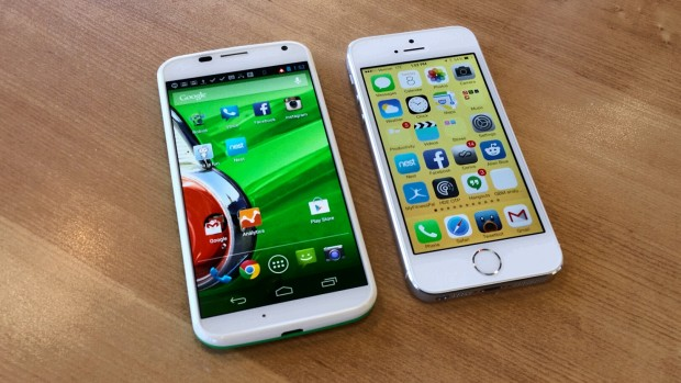 Rumors suggest Apple will offer an iPhone 6 with a 4.7-inch display, the same size display as we see on the Moto X to the right of an iPhone 5s in this image.