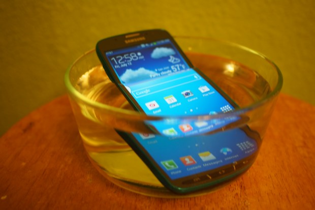 Samsung could be planning a waterproof Galaxy Note 4 as this feature may not make the cut for the Galaxy S5.