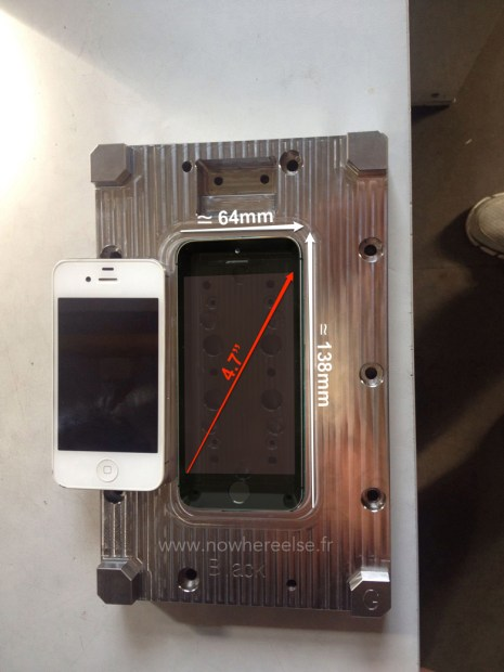 This photo shows a mold that could be a key to the iPhone 6 size and dimensions.