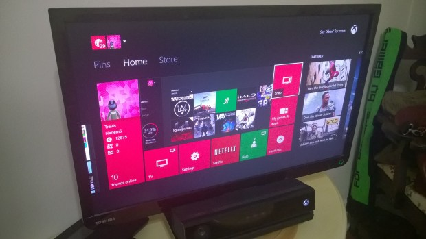 How to Play A Game & Watch TV on the Xbox One  (2)