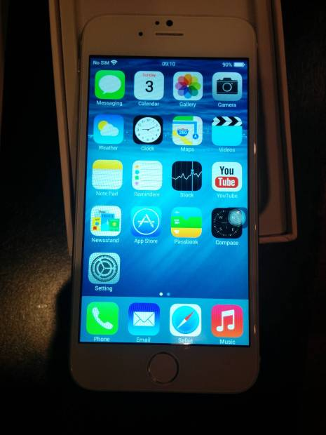 This iPhone 6 clone runs a version of Android meant to look like iOS.