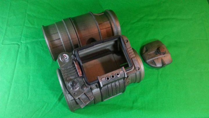 Fallout-4-Pip-Boy-2