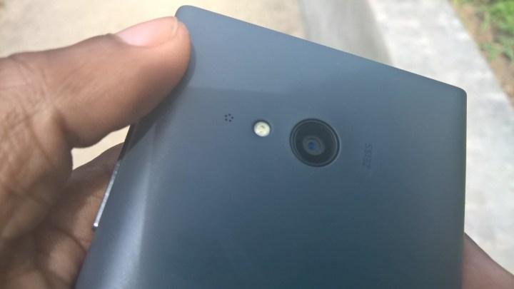 Nokia Lumia 735 Review (9)