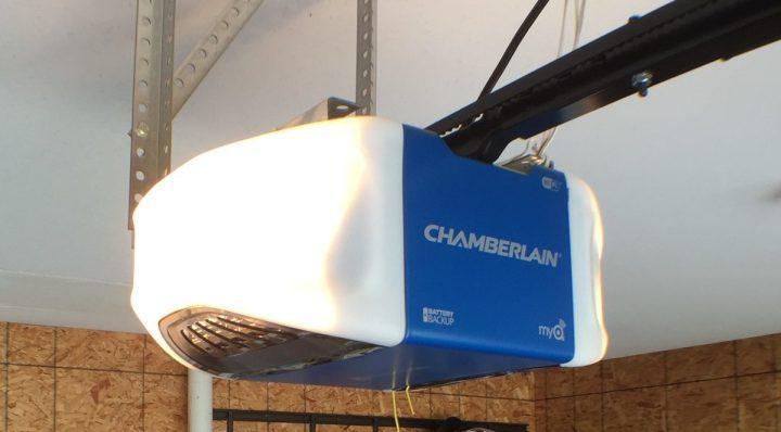 Chamberlain-WiFi-Garage-Door plus NEst Cam
