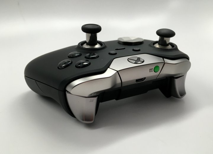 Xbox-One-Elite-Controller-Review-11