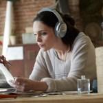 Bose QuietComfort 35 Bluetooth Headphones - 4