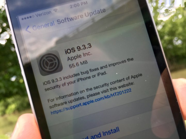 how-to-install-iOS-9.3.3