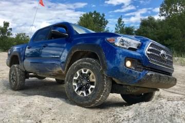 2016 Toyota Tacoma TRD Review - 14