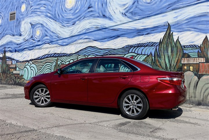 2016 Toyota Camry Review - 13