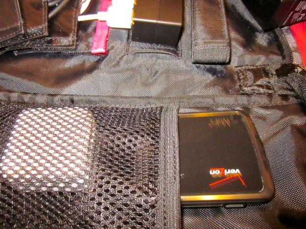 AViiQ Portable Charging Station Pockets