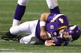 brett-favre-injured