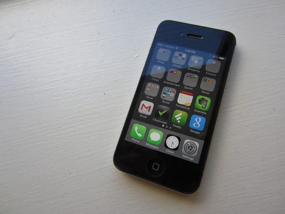 iOS 8.1.1 on iPhone 4s