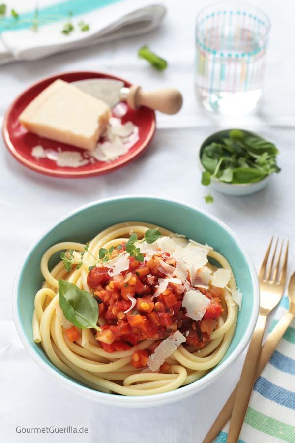 Makkaroni mit Linsen-Bolognese #gourmetguerilla #rezept #vegetarisch #nudeln