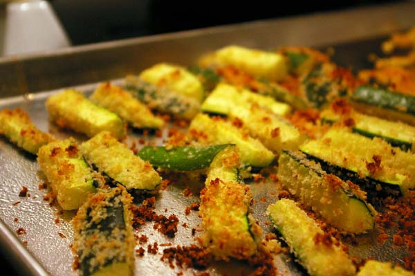 oven-baked-zucchini-fries-2