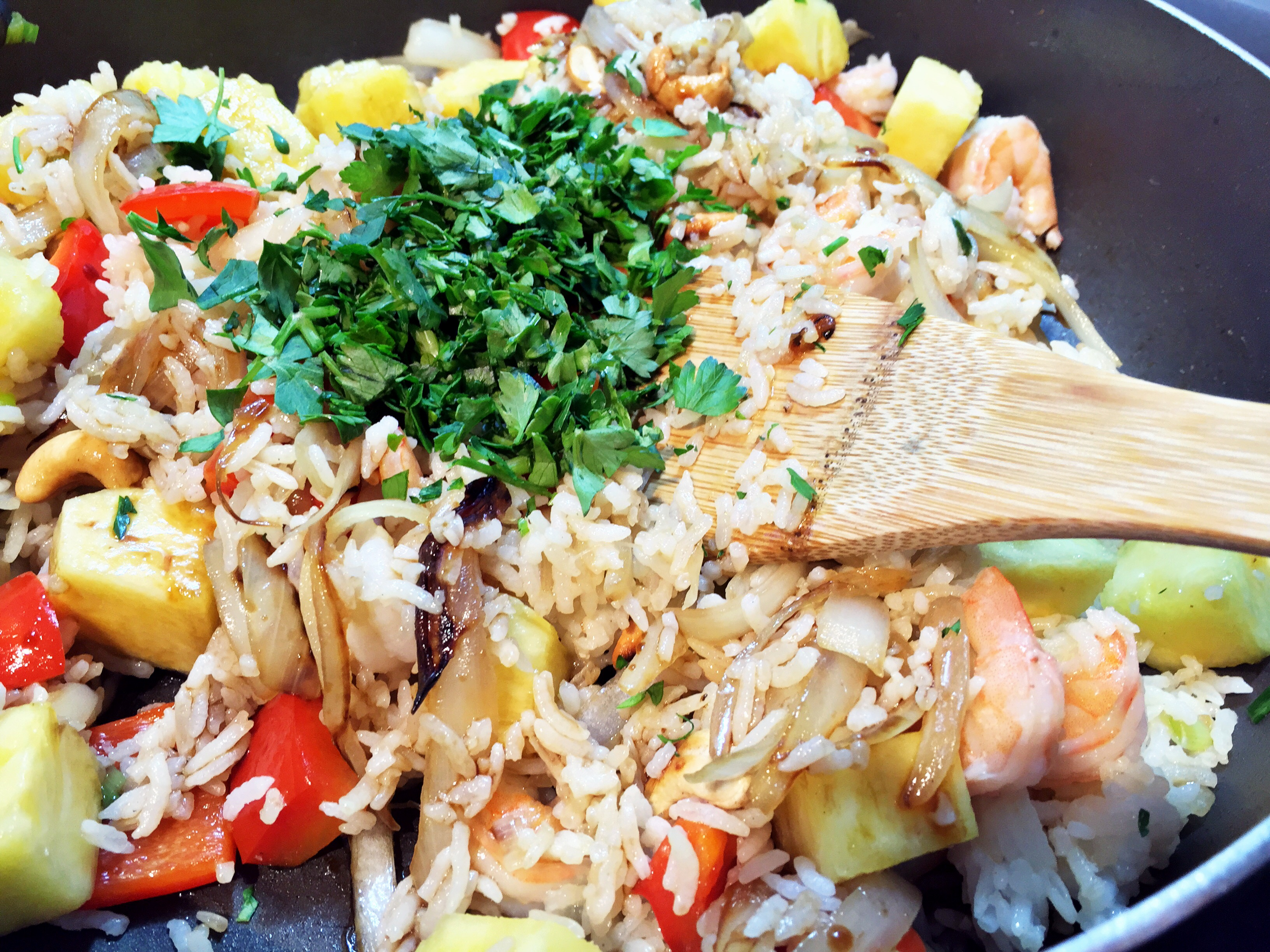Thai Pineapple Fried Rice with Shrimp and Cashews - The Gourmet ...
