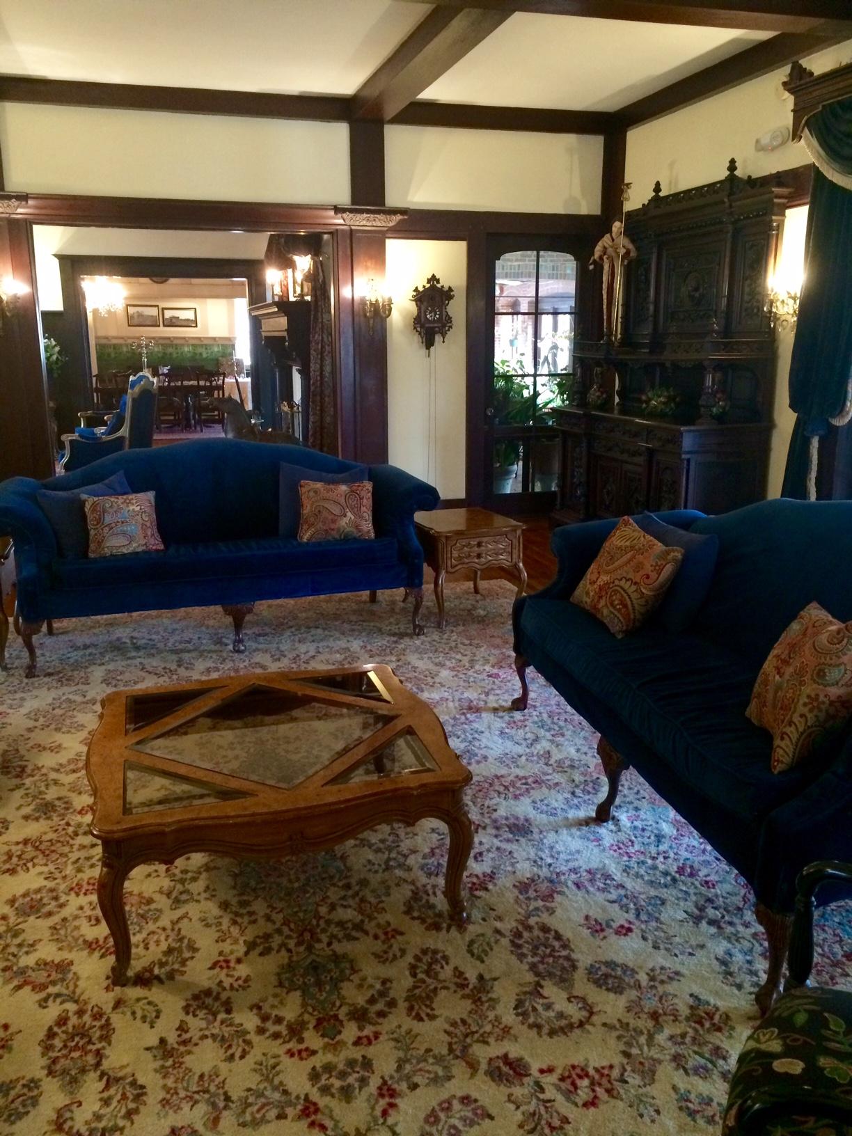 Fullsize Of Mansion Living Room