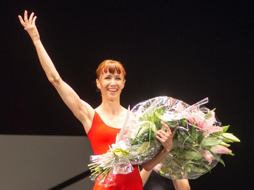 Sylvie Guillem after Steptext 500x375 Sylvie Guillem shines in Forsythes Steptext in Florence