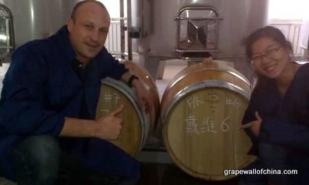 david tyney and liu jing jin sha winery ningxia china (1)