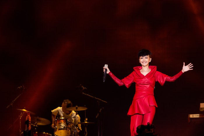 stefanie-sun-kepler-world-tour-2015-5